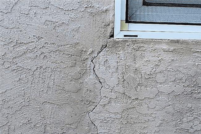 Stucco Cracks In Wall